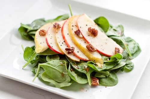 Spinach Salad with Apples, Pears, and Pecans