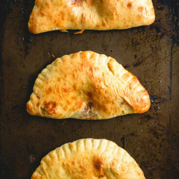 Easy calzone recipe | how to make a calzone | calzone dough recipe | Homemade calzone