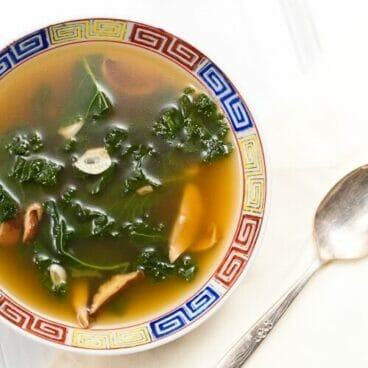 Vegetarian Kale Soup with Mushrooms and Garlic | 13 Best Healthy & Easy Soup Recipes | Best soup recipes | Easy soup recipes