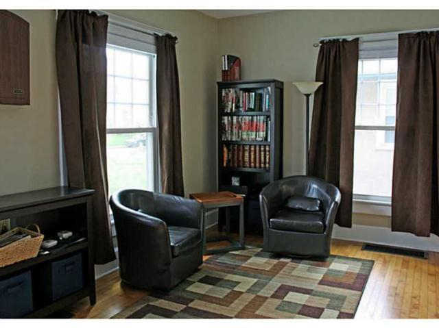 Living Room Before | A Couple Cooks