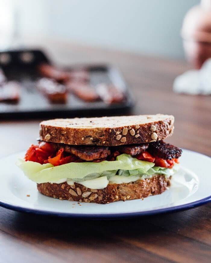Vegan BLT with tempeh bacon