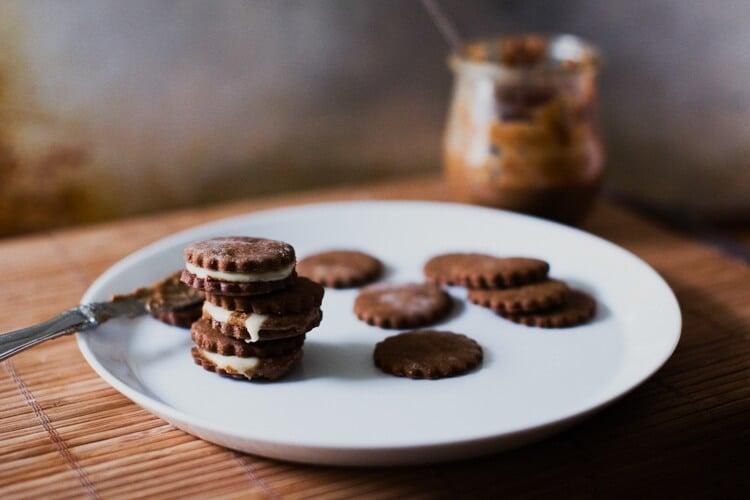 Gingersnap Sandwich Cookies | Maple cream cookies