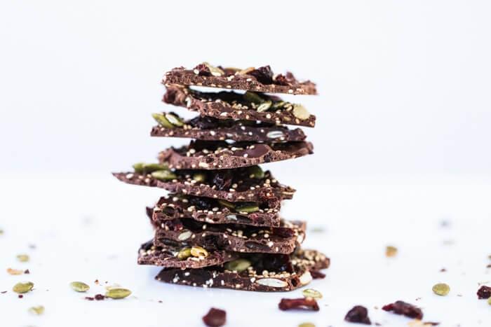 Dark Chocolate Cherry Quinoa Bark | How to make chocolate bark | Chocolate bark ideas