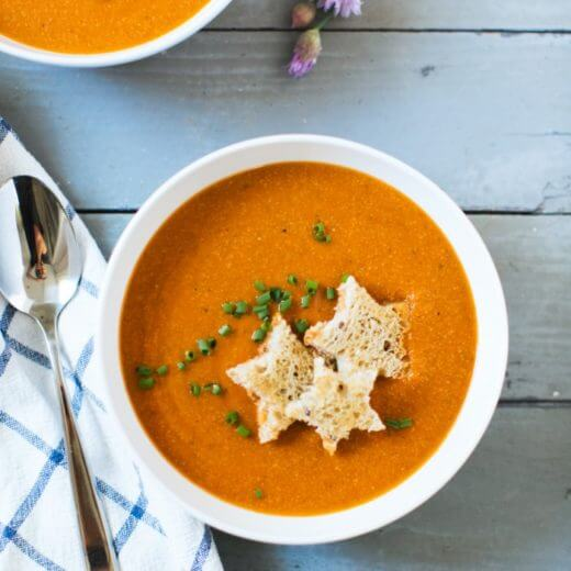 Easy Vegan Tomato Soup with Stars | 13 Best Healthy & Easy Soup Recipes | Best soup recipes | Easy soup recipes