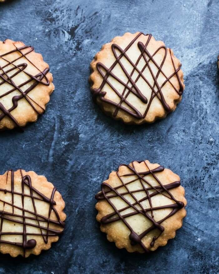 How to make shortbread cookies | Chocolate drizzle for cookies