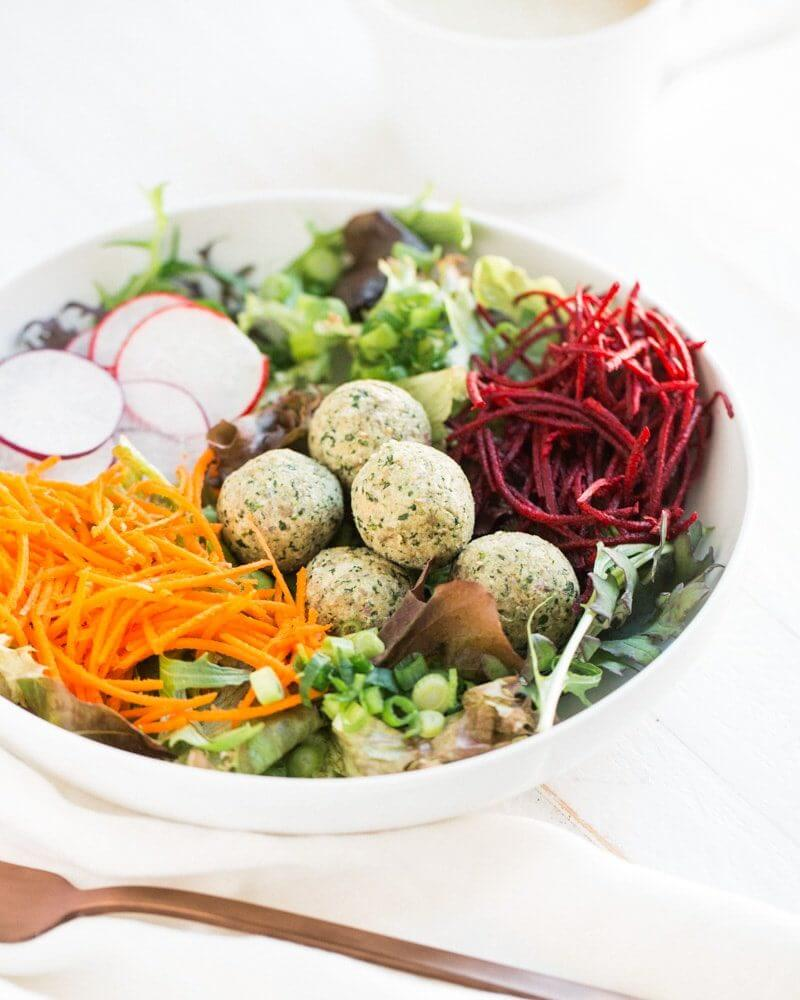 Raw Falafel Buddha Bowls | 28 Day Vegan Meal Plan | Easy vegan meals | Meal planning ideas | Meal prep plans | Meal planning calendar