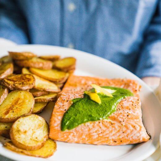 Baked salmon with chimichurri