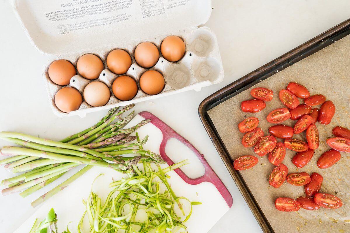Asparagus, eggs, tomatoes