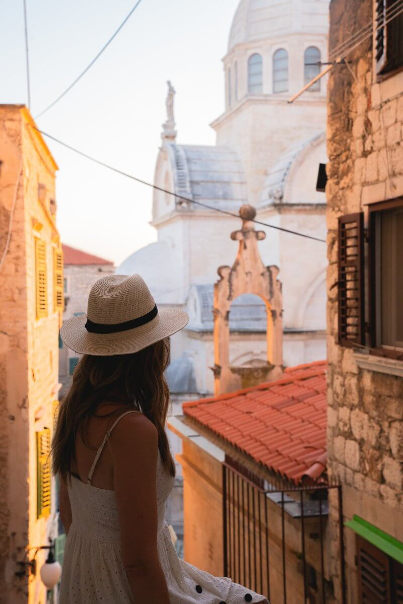 Golden hour picture in Sibenik, Croatia | How to take better pictures on vacation