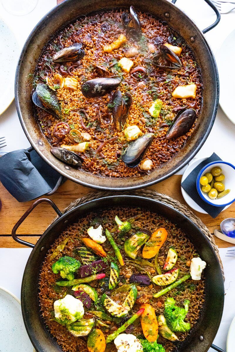 Awesome photos of paella, Barcelona Spain travel photos | How to take better pictures on vacation