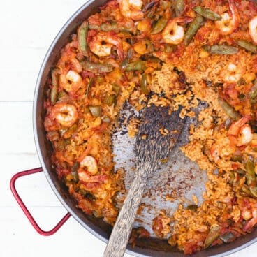 Open fire seafood paella recipe   best paella pan