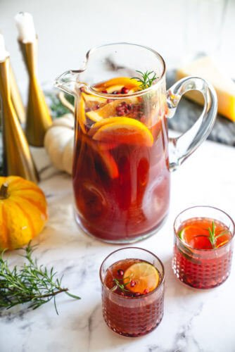 Pomegranate iced tea holiday punch recipe | Non alcoholic holiday punch
