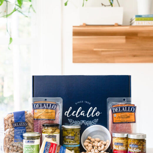 Gourmet food gifts: Italian gift basket