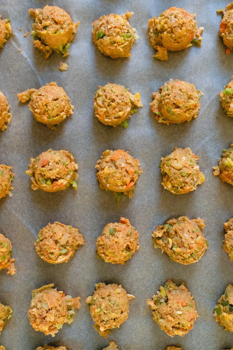 Norwegian Vegetarian Meatballs | vegetarian gravy | chickpea meatballs | Norwegian meatballs