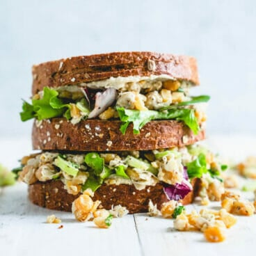 Chickpea salad sandwich | Vegetarian chicken salad sandwich | Easy lunch recipes