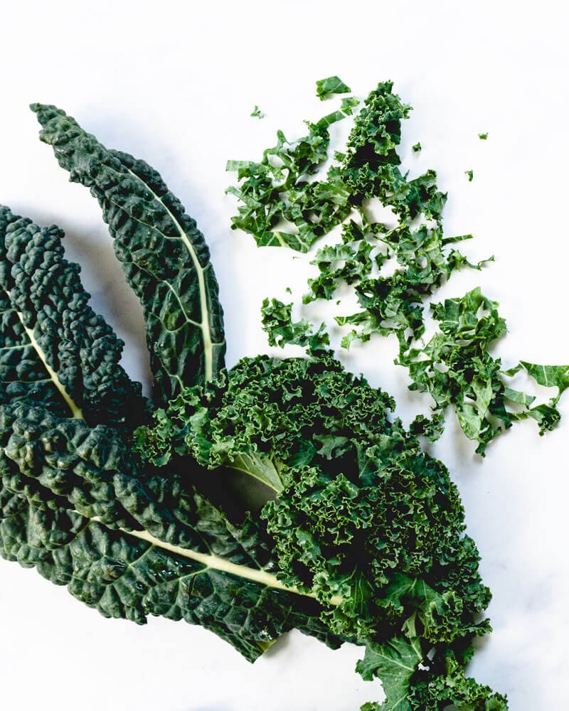 Baked kale chips | How to cut kale