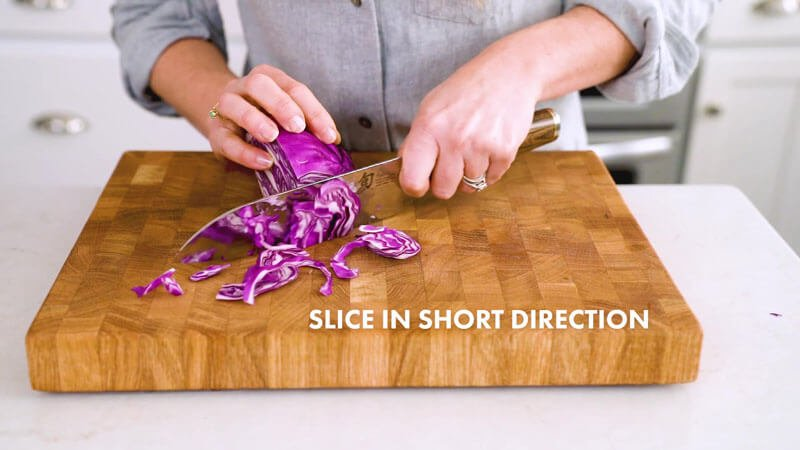How to cut cabbage / shredded cabbage | Thinly slice in short direction