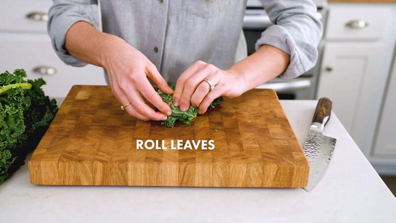 How to cut kale | Roll leaves