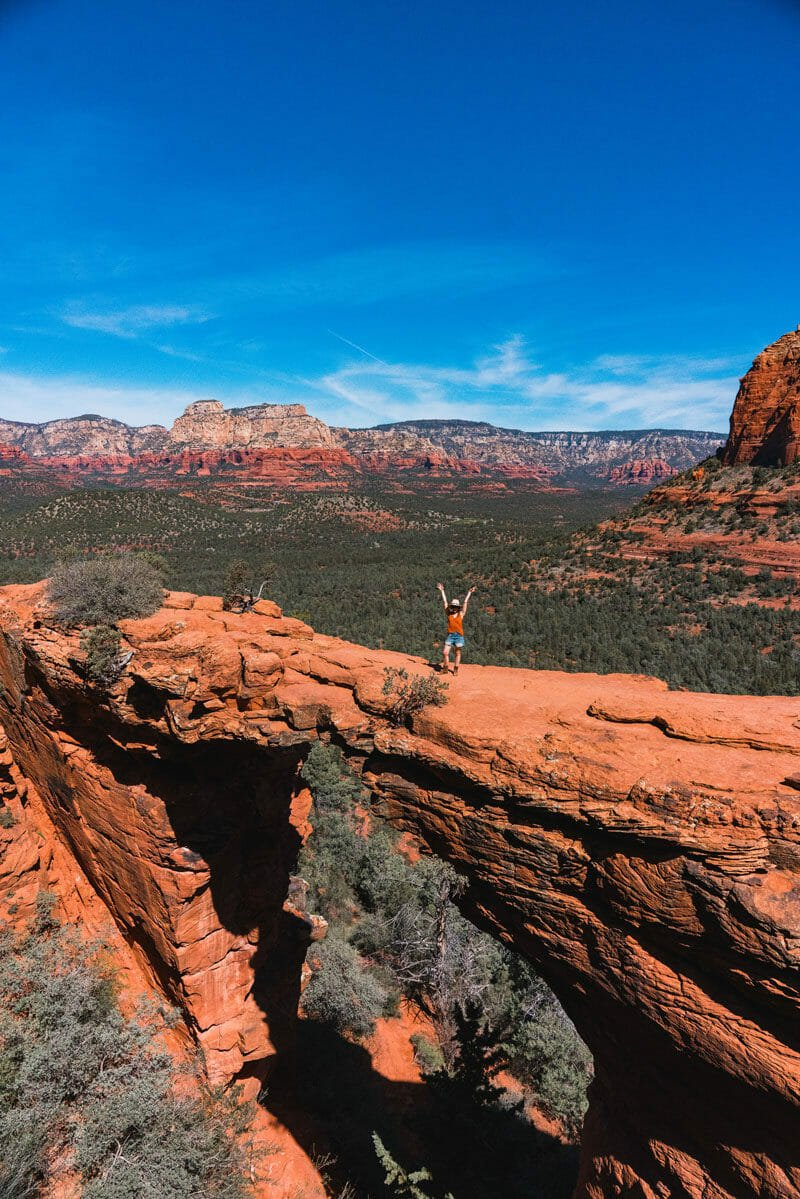 Devil's bridge Sedona hikes