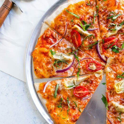 Artichoke & tomato pizza