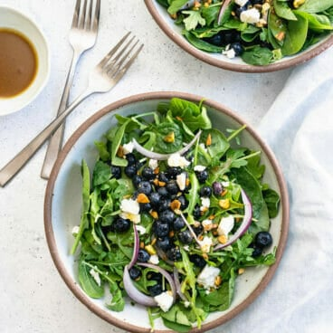 Blueberry salad with balsamic dressing