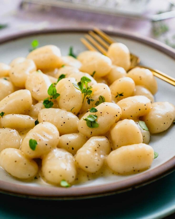Easy Creamy Gnocchi Sauce