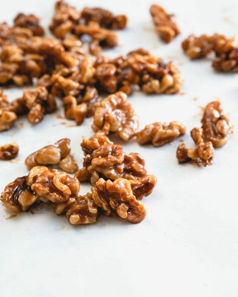 Glazed walnuts