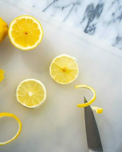 How to make a lemon twist