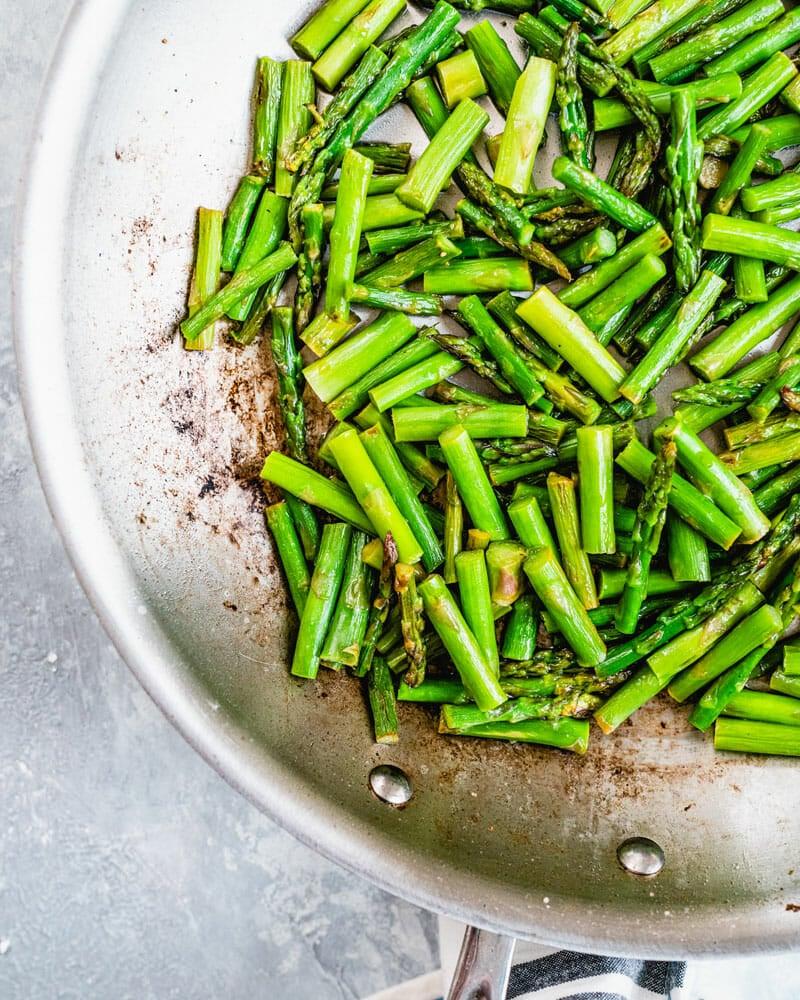 Asparagus in pan