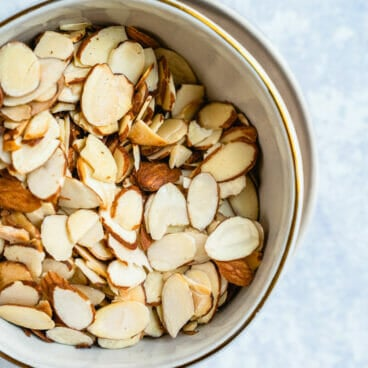 How to toast almonds