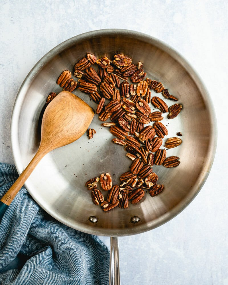 How to toast pecans on the stove