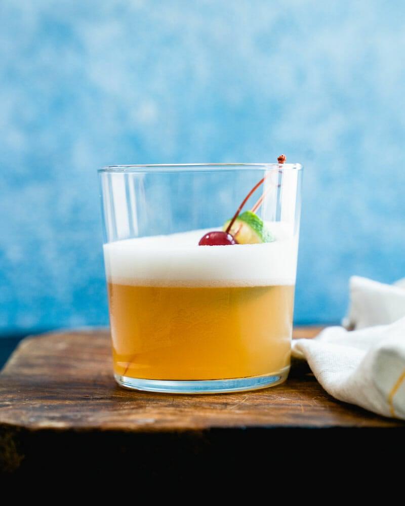 Egg white foam cocktail
