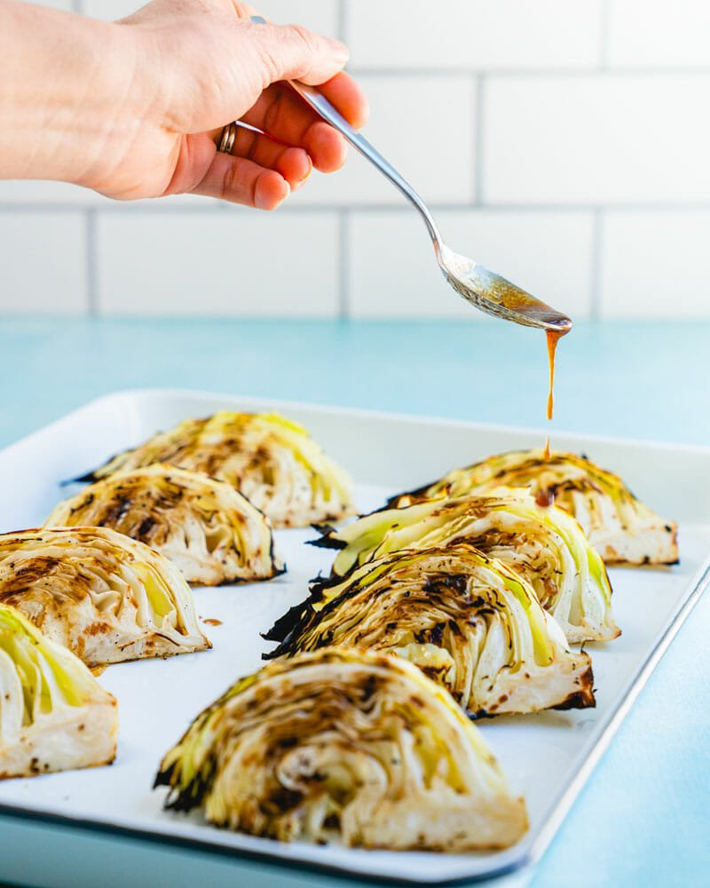 Grilled cabbage sauce