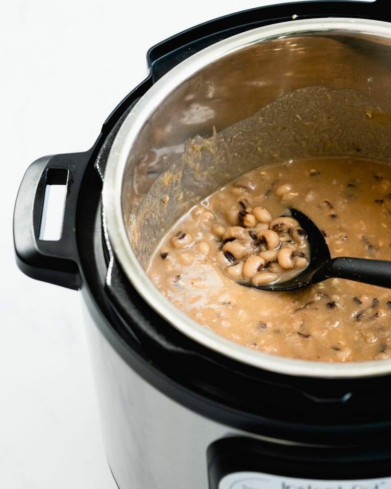 Pressure cooker black eyed peas