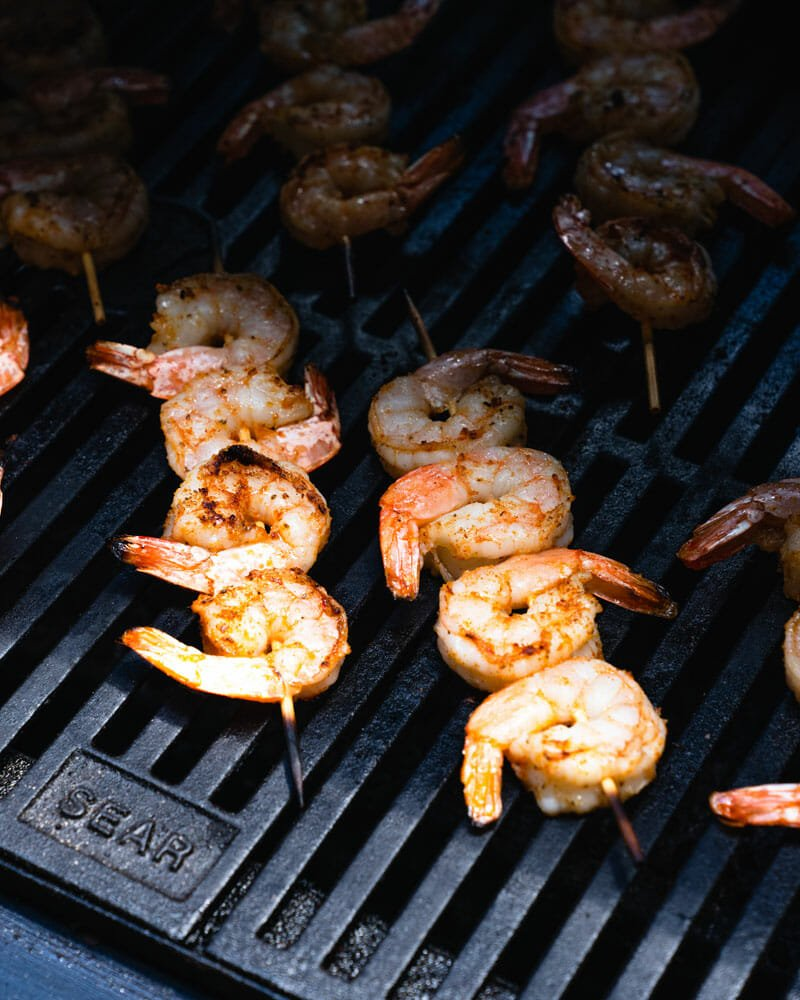 How to grill shrimp on skewers
