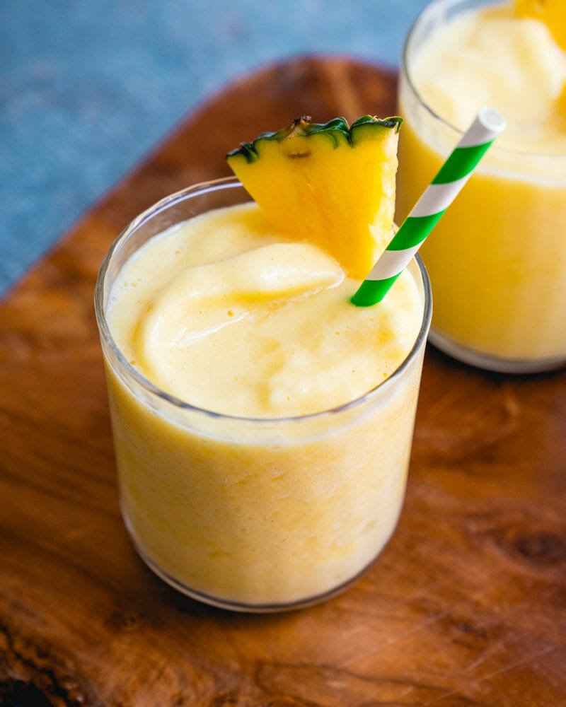 How to make a pineapple smoothie