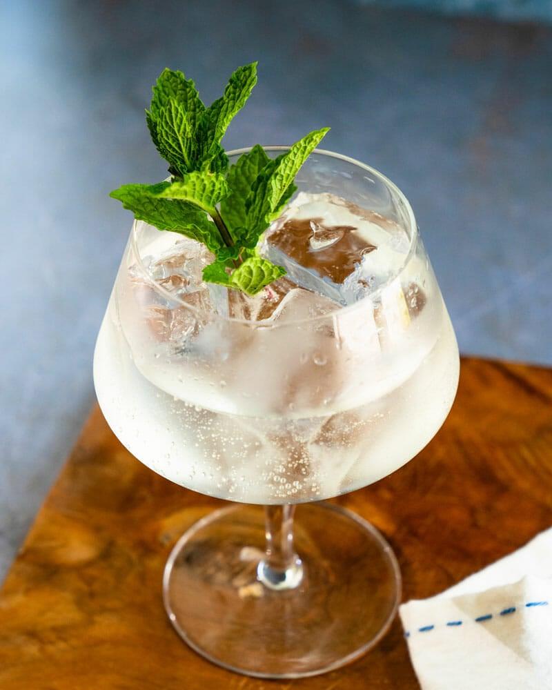 Lillet G&T cocktail