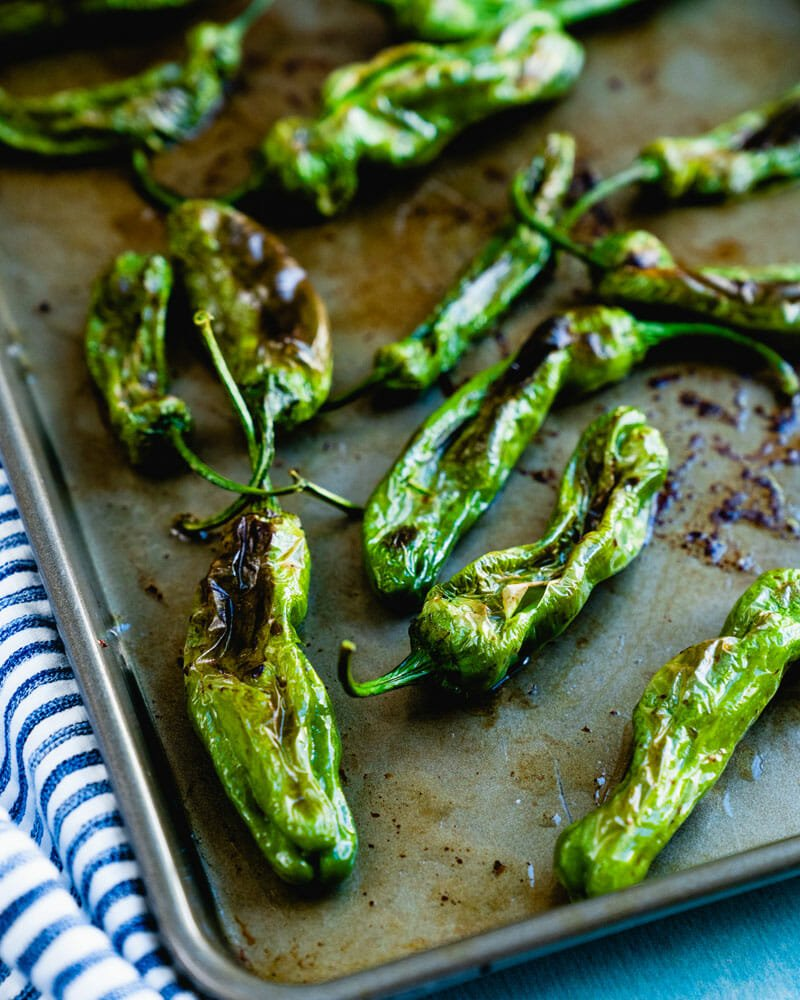 How to make roasted shishito peppers