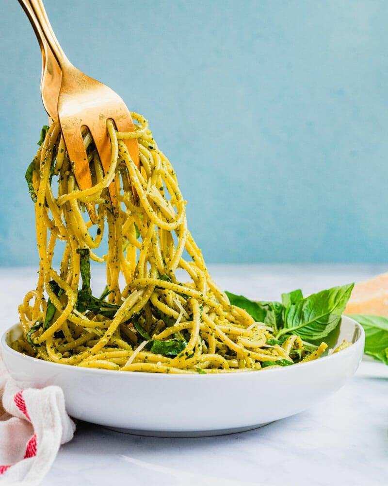 How to make spaghetti pesto