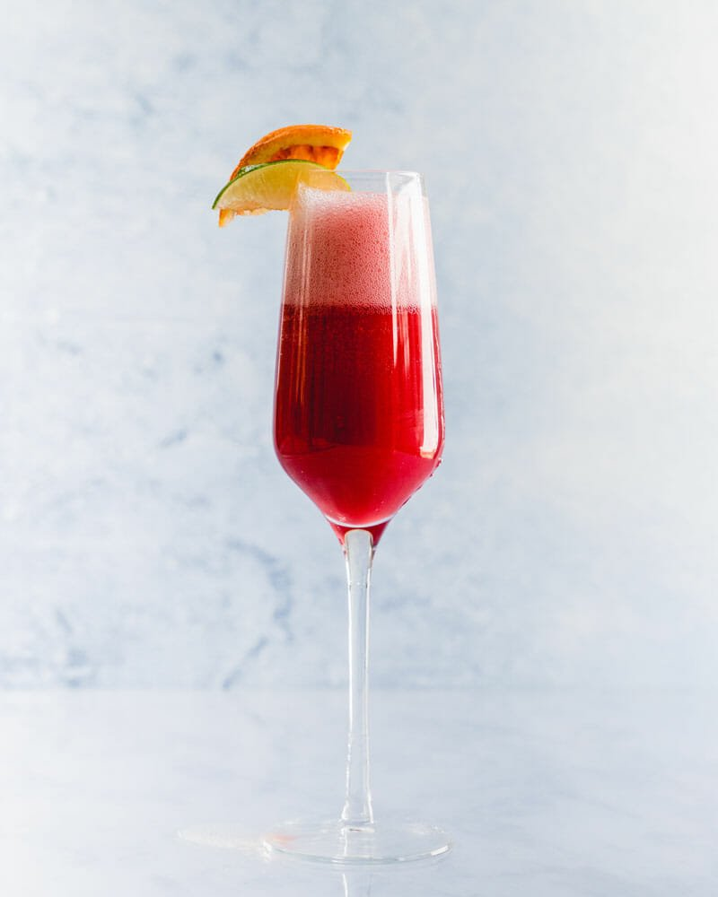 How to make a cranberry mimosa