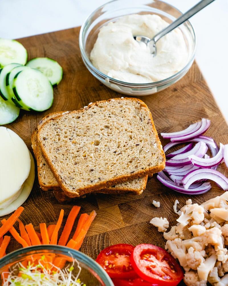 Hummus sandwich ingredients