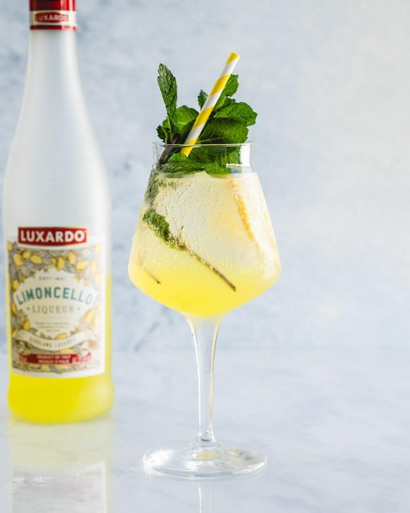 How to make a limoncello spritz