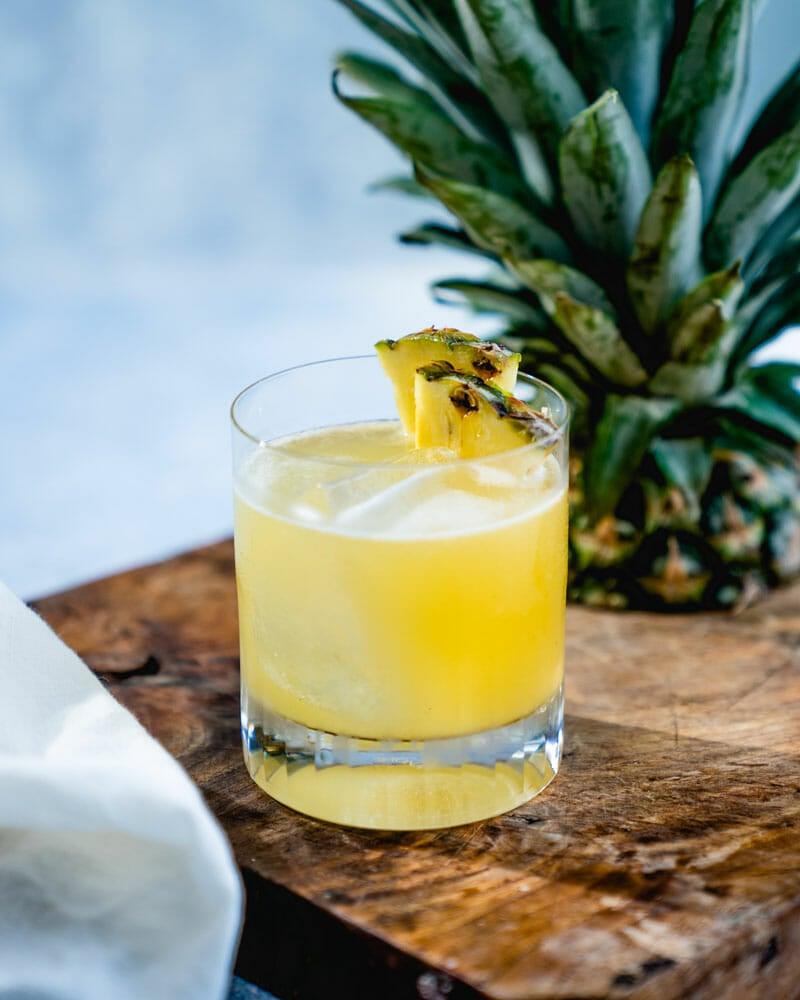 How to make a pineapple margarita
