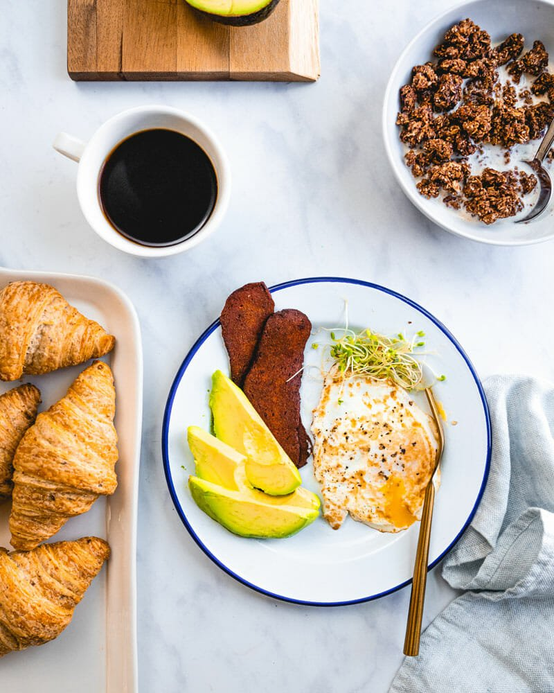 How to make over medium eggs