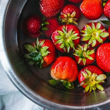 How to clean strawberries