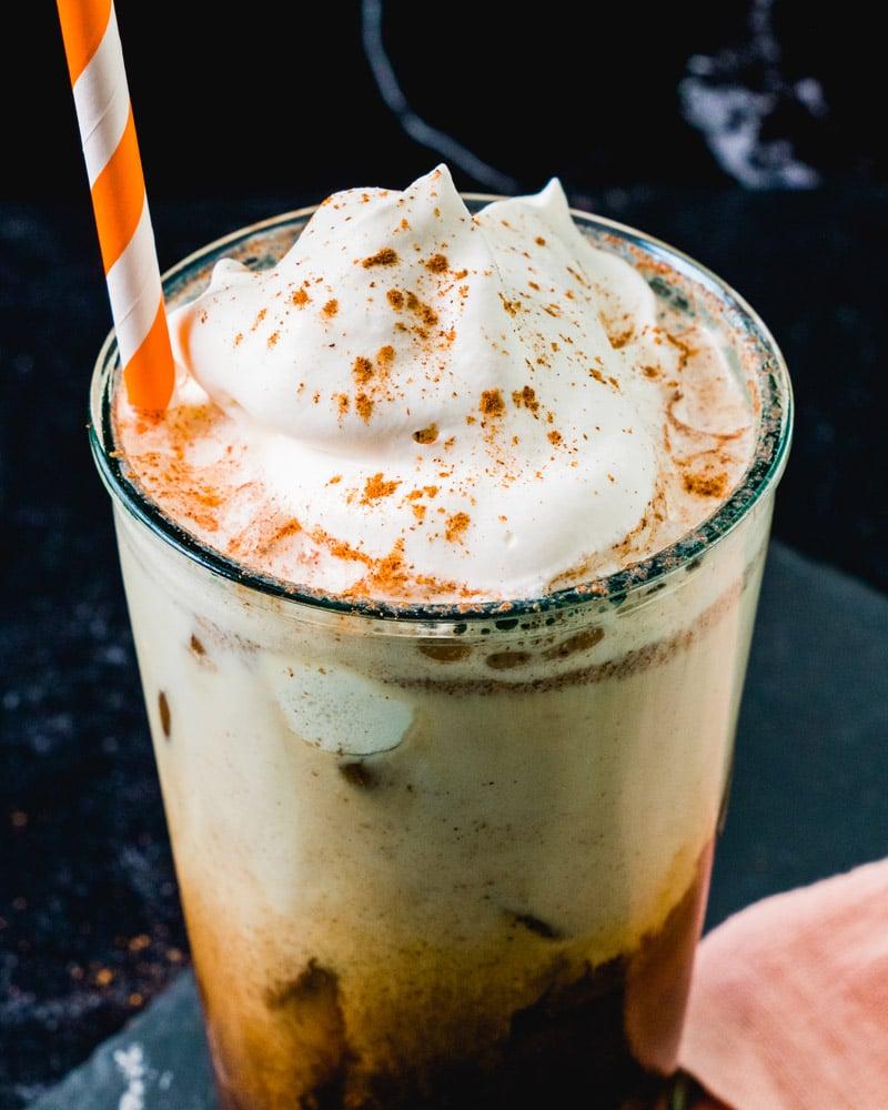 Iced pumpkin spice lattee